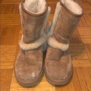 Ugh boots size 6